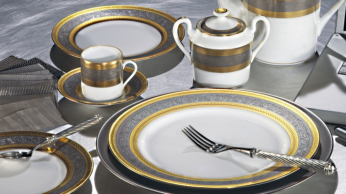 gold and platinum dinnerware by jammet Seignolles & Gold and Platinum|Luxury Dinnerware|Carnavalet|Seignolles