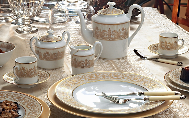 Oriental Porcelain Dinnerware inspired by the Orient created by J. Seignolles & Oriental style Dinnerware|Orientale Porcelain|J.Seignolles